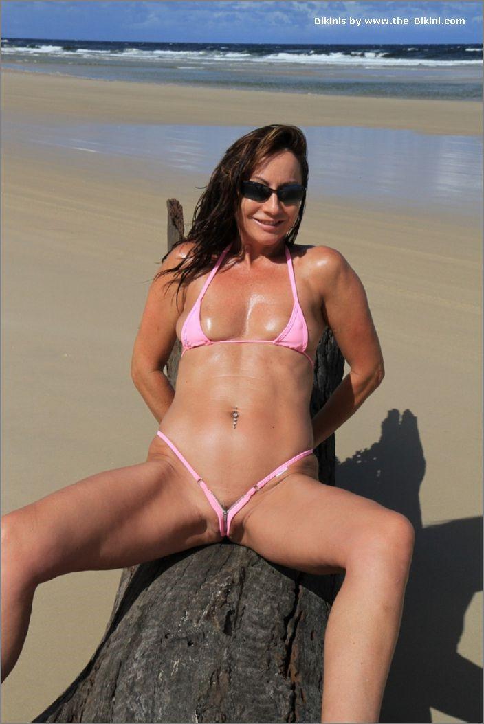 Extreme bikinis
