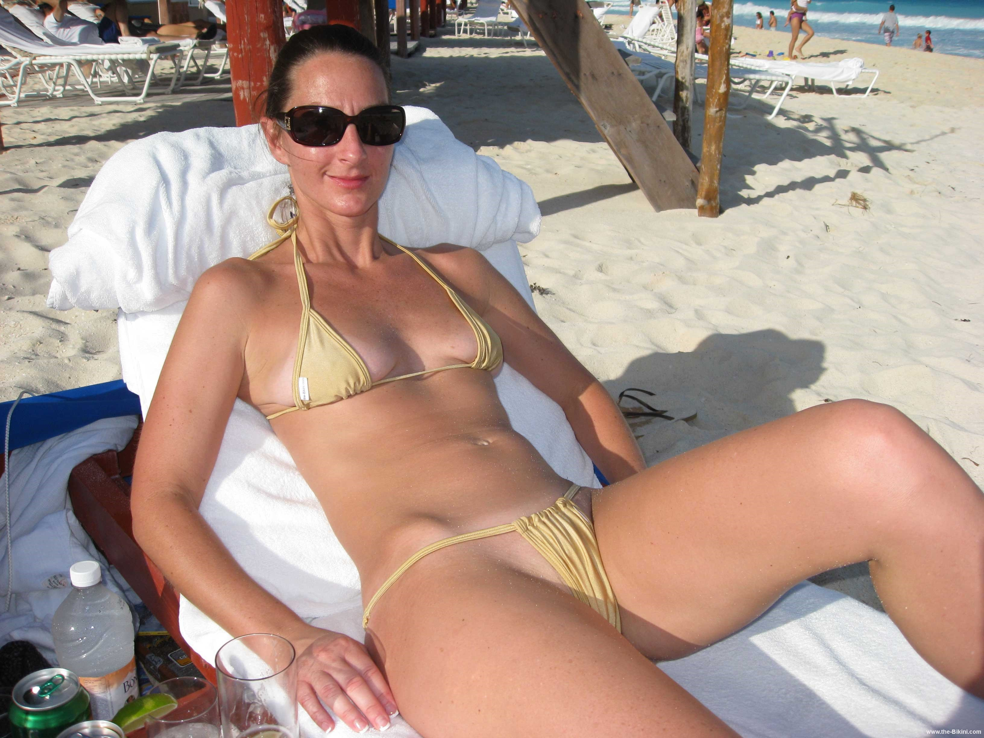 free pics of naked milfs